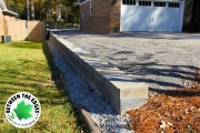 Retaining-wall-front-border-Augusta-BetweentheEdges-landscaping