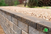 Closeup-retaining-wall-Between-the-Edges-GrovetownGA-landscaper