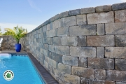 Closeup-stone-retaining-wall-Between-the-Edges-hardscape-NorthAugustaSC