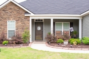Front-view-home-North-Augusta-landscaper-Between-the-Edges