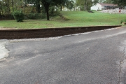 Retaining-wall-pavers-Between-the-Edges-hardscape-AikenSC