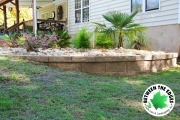 Retaining-wall-planting-bed-Between-the-Edges-EvansGA