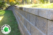 Retaining-wall-closeup-Between-the-Edges-landscaping-AugustaGA