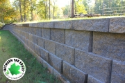 Retaining-wall-pavers-Between-the-Edges-landscaping-EvansGA