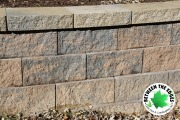 pavers-close-up-retaining-wall-Between-the-Edges-landscaping-Martinez-GA