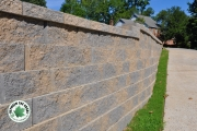 Retaining-wall-closeup-Between-the-Edges-landscaping-MartinezGA