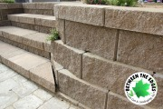 Steps-and-retaining-wall-close-up-Between-the-Edges-landscaper-Martinez-GA