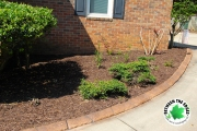 1_landscaping-bed-with-curbing-and-fresh-mulch-Between-the-Edges-lawn-care-Aiken-SC