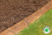close-up-paver-curbing-and-mulch-Between-the-Edges-landscaping-Evans-GA