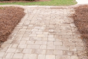 Between-the-Edges-MartinezGA-landscaper-vertical-paver-walkway